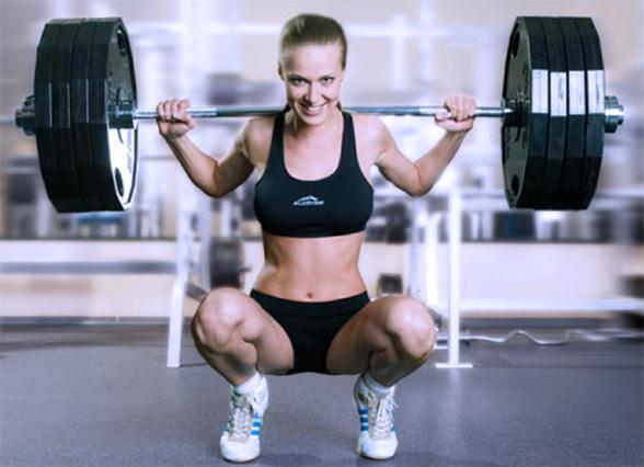 голі жінки в спортзалі відео