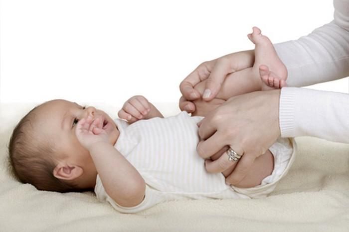 запори у новонароджених