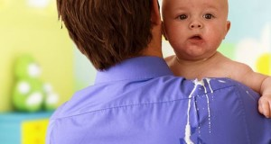 відригування у немовлят