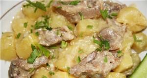 м'ясо з картоплею в рукаві