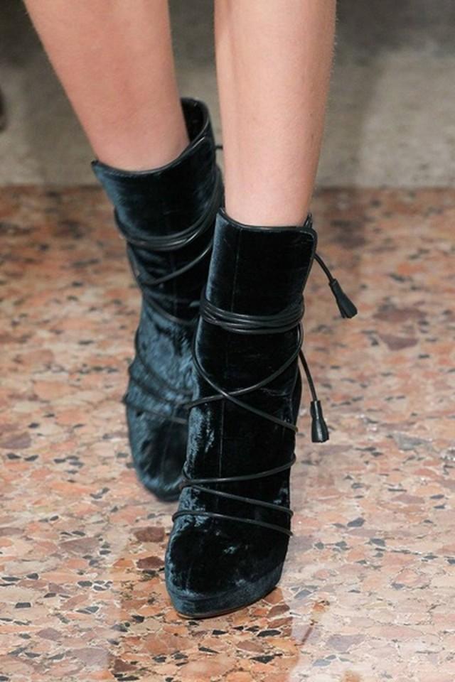 модні чоботи осінь-зима