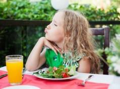 як нагодувати непослущну дитину